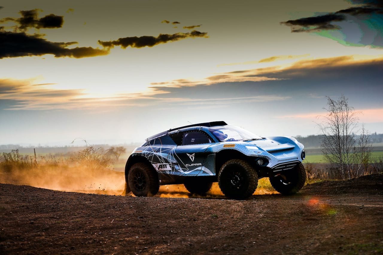 エクストリームE:WRC9冠王者セバスチャン・ローブ見参。ルイス・ハミルトンのX44から参戦決定