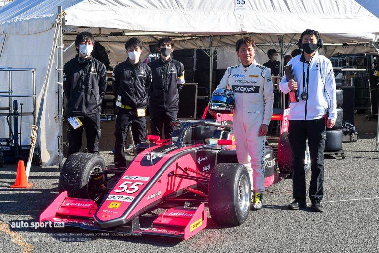 国内レース他 | 本山哲がひさびさのフォーミュラをドライブ。「いろいろなことを思い出しながら、楽しみたい」