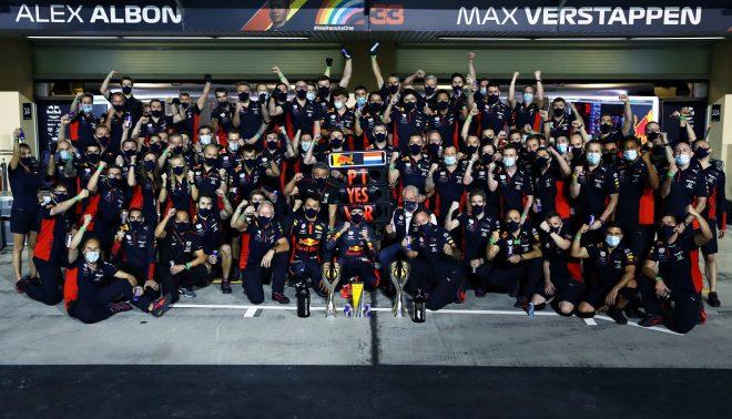 2020年F1第17戦アブダビGP 優勝を祝うレッドブル・ホンダ