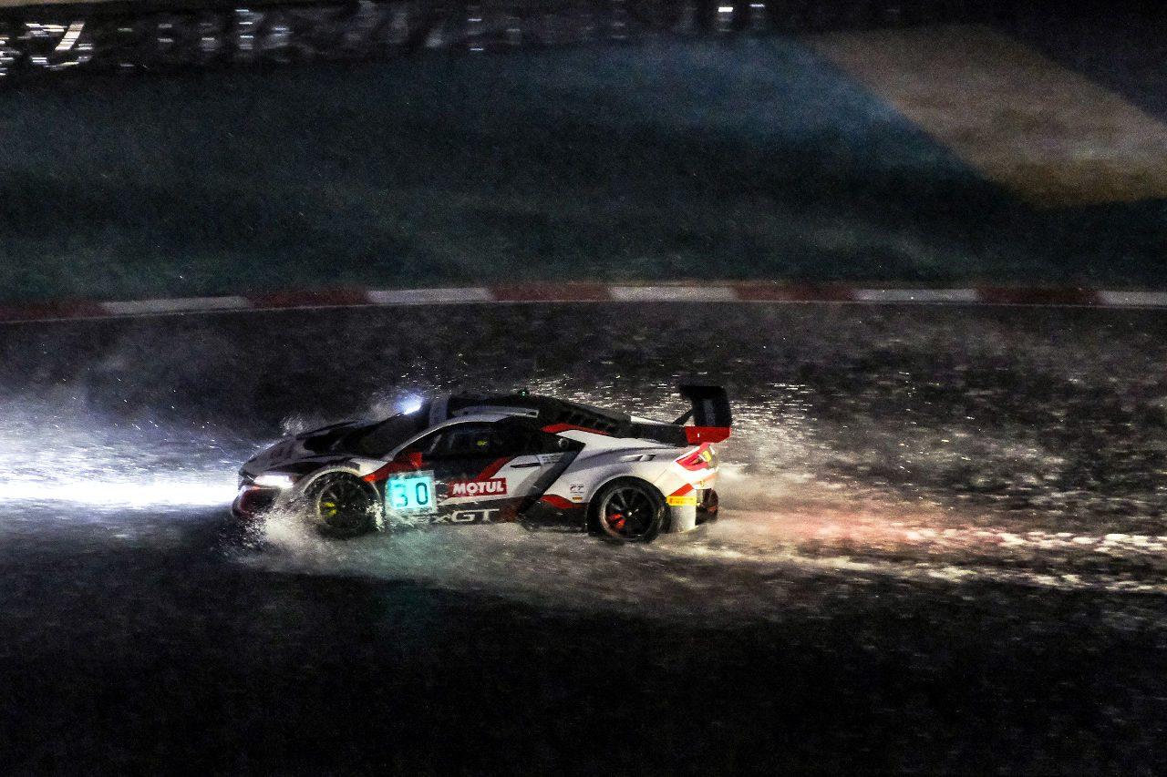 IGTCキャラミ:8時間リードのホンダ、豪雨に泣く。BMW優勝でファーフス&キャツバーグが戴冠