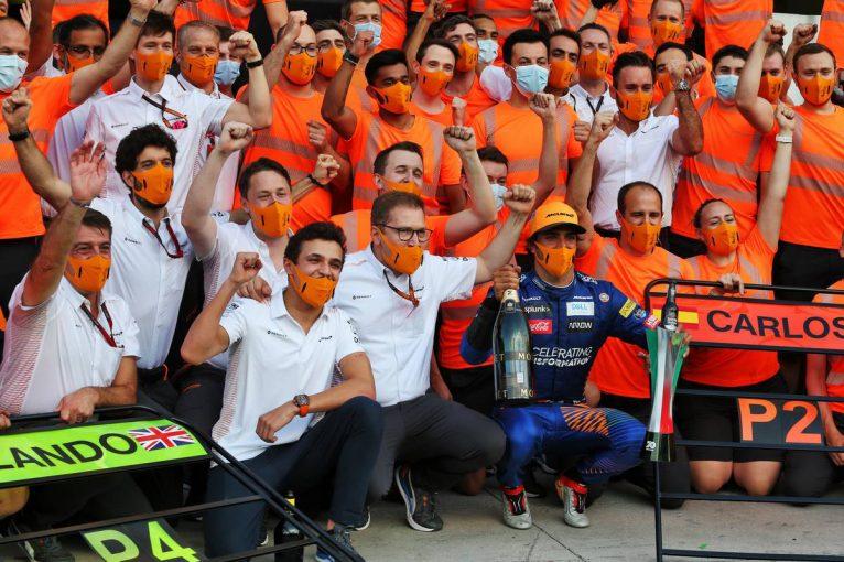 F1   サインツJr.「選手権3位は本当にすごいこと。貢献できてうれしい」/ドライバーからチームへ惜別のメッセージ(2)