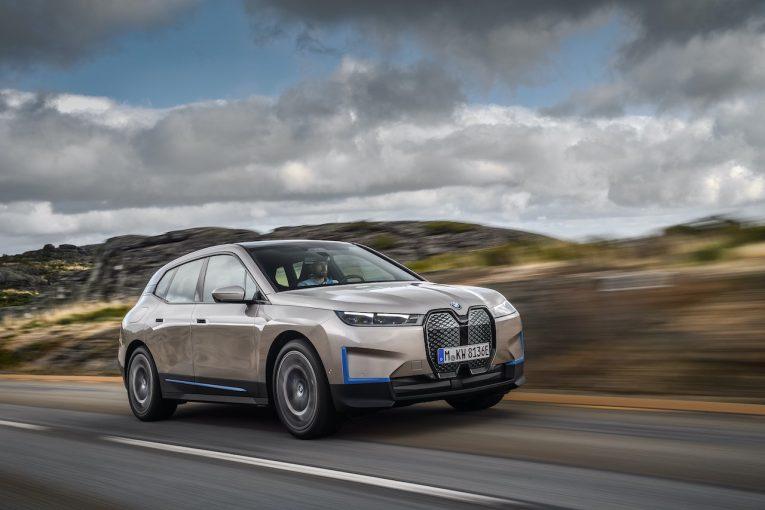 クルマ   BMW、電気自動車初のSAV『iX』のオンライン先行予約を開始。2021年秋導入へ