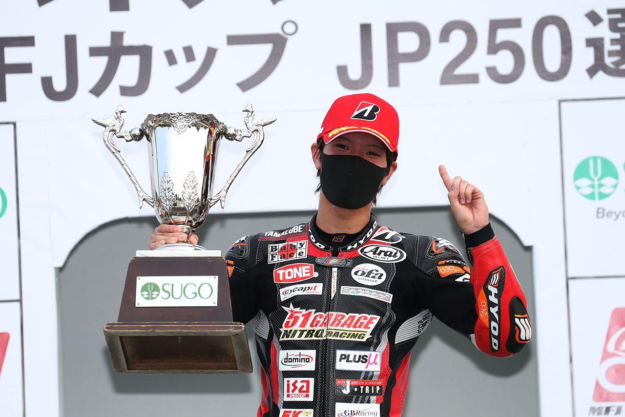 全日本ロード:ST600のタイトル奪還した岡本裕生「今年がダメだったら終わりだと思った」/チャンピオン特集