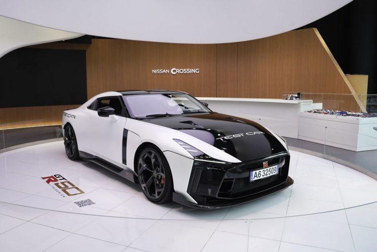 クルマ | 『GT-R50・バイ・イタルデザイン』テストカーがNISSAN CROSSINGで期間限定展示
