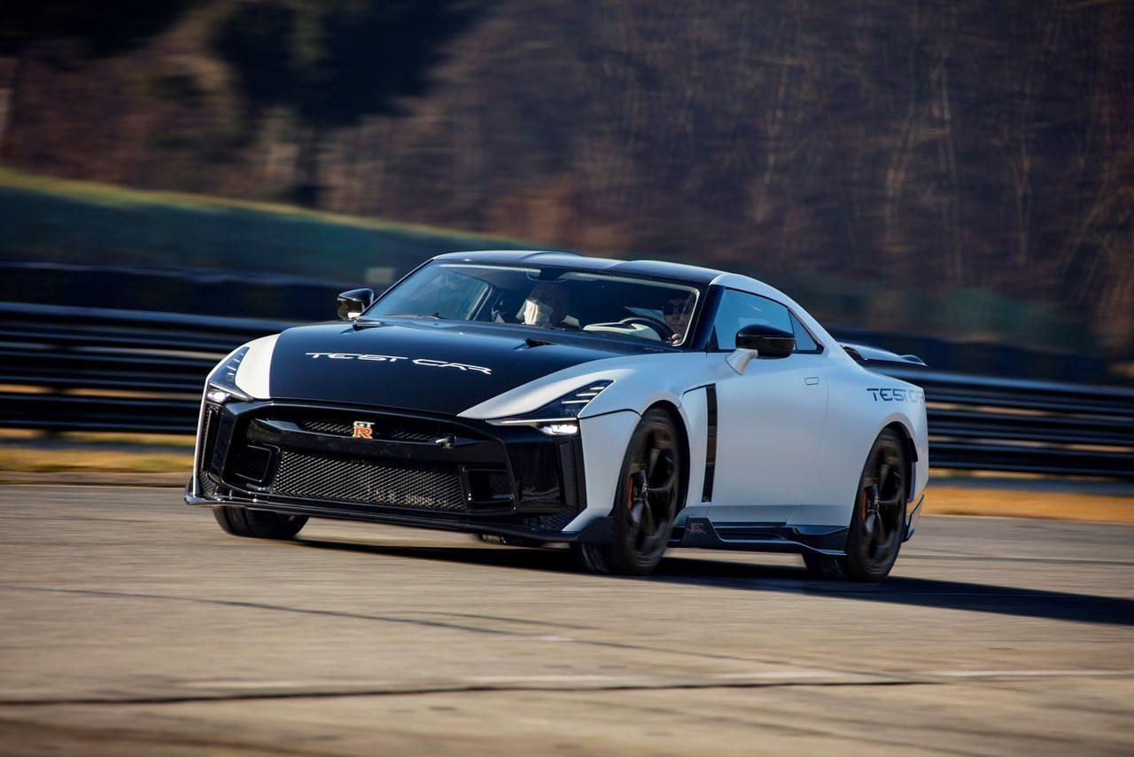 『GT-R50・バイ・イタルデザイン』テストカーがNISSAN CROSSINGで期間限定展示