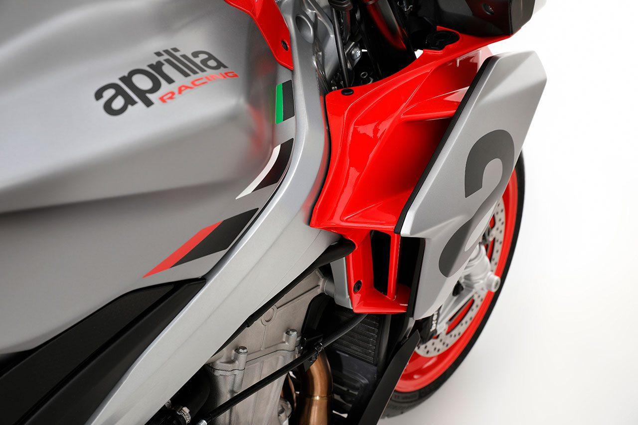 アプリリア、ネイキッドスポーツ『トゥオーノ660』を発表。日本での導入は未定
