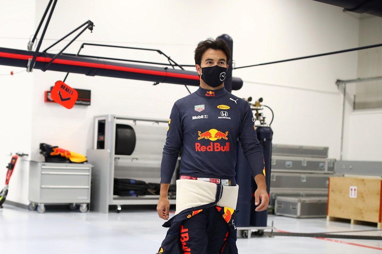 Photo of レッドブル・ホンダF1のペレスがシミュレーター作業を開始「何度も優勝して恩返しをしたい」 | F1 | autosport web | オートスポーツweb
