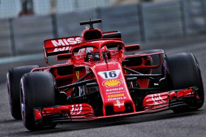 2018年F1アブダビテストでフェラーリSF71Hを走らせるシャルル・ルクレール