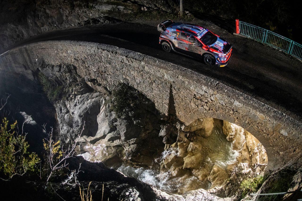 トヨタのエバンスが首位浮上。オジエは4本のSS制すもパンクでタイムロス/WRCモンテカルロ