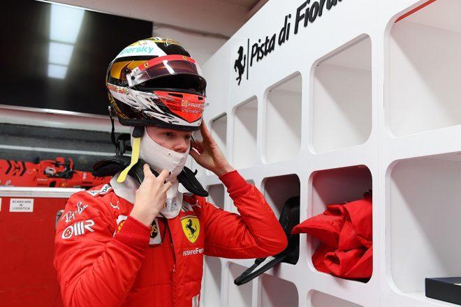 2021年1月フィオラノでのフェラーリF1テストに参加したロバート・シュワルツマン