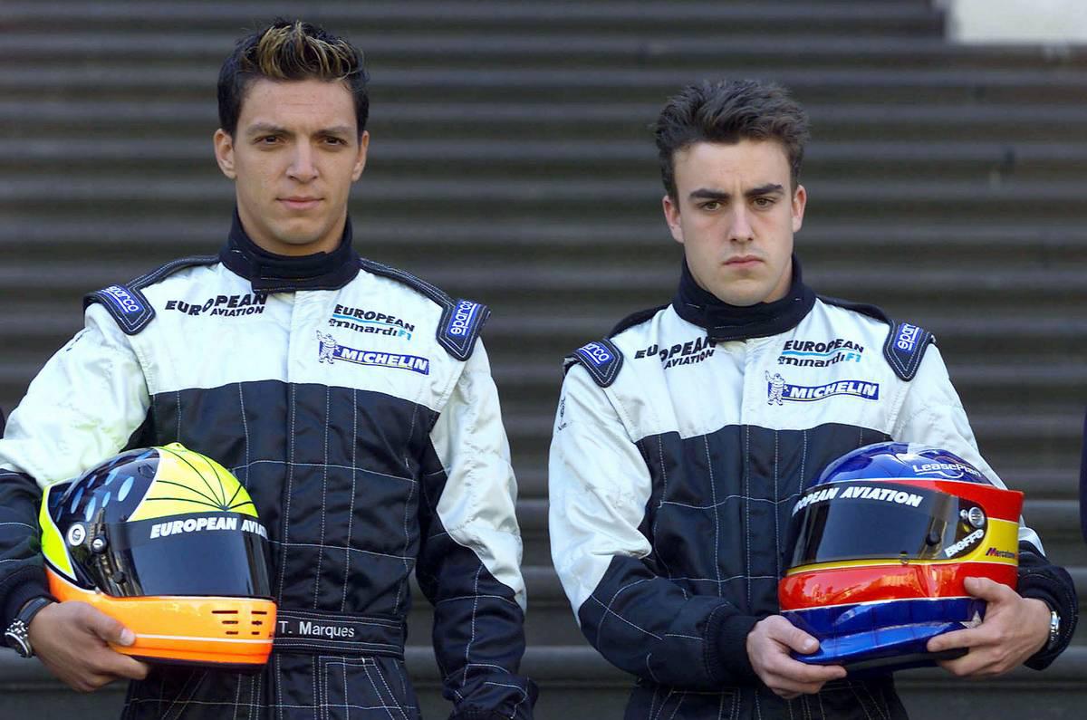 2001年F1開幕戦オーストラリアGP ミナルディのタルソ・マルケス(左)とフェルナンド・アロンソ(右)