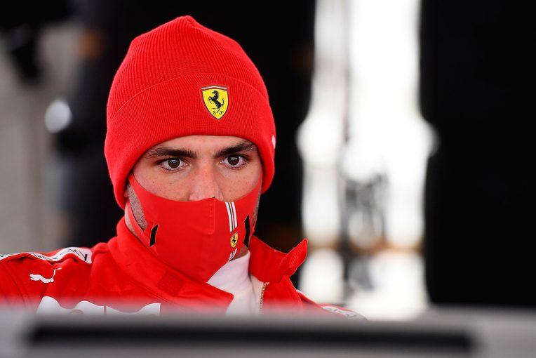 F1 | サインツJr.、フェラーリF1の初テストでは「すべてを体験できた」と満足。マシン比較については公に語らず
