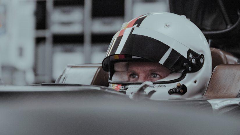 F1 | アストンマーティンF1代表、ベッテルの知識欲に感心「走るパフォーマンスエンジニアだ」