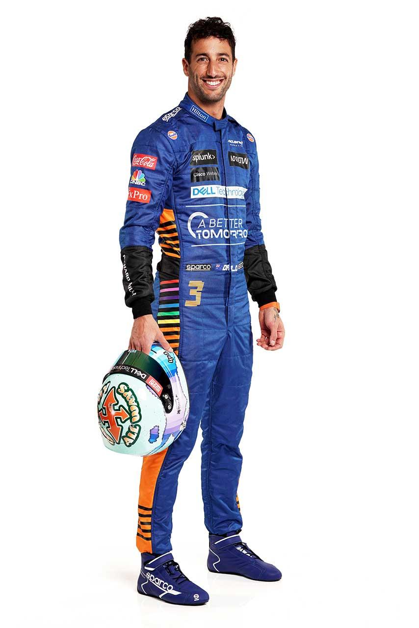 2021年仕様のスーツを着用したダニエル・リカルド(マクラーレン)
