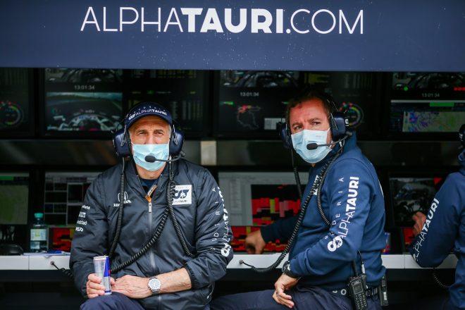アルファタウリF1のチーム代表フランツ・トストとテクニカルディレクターのジョディ・エギントン