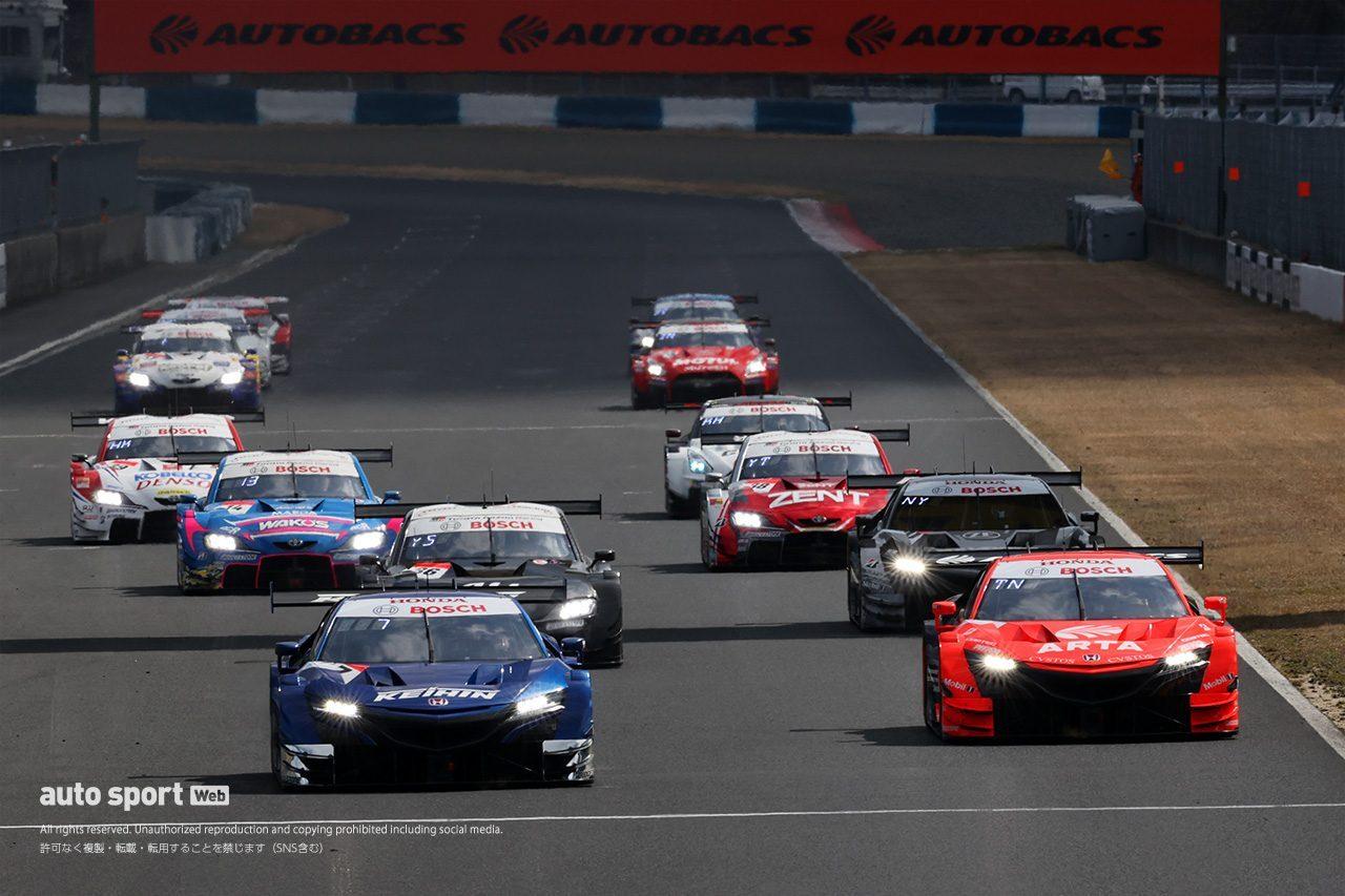 2020年3月に行われたスーパーGT岡山公式テストでの、GT500クラスのスタート練習の様子