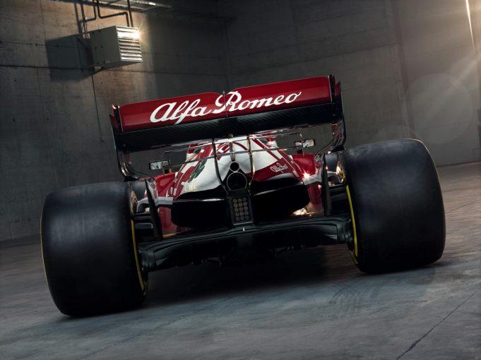 F1   2020年に低迷したアルファロメオF1、『C41・フェラーリ』で一歩前進を狙う「中団トップの座が目標」と代表