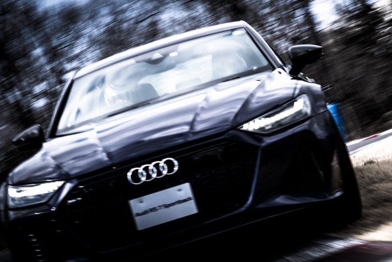 クルマ | アウディRSをライカで撮影した写真展を2月26日から開催。元F1ドライバー中野信治をドライバーに起用した作品も展示