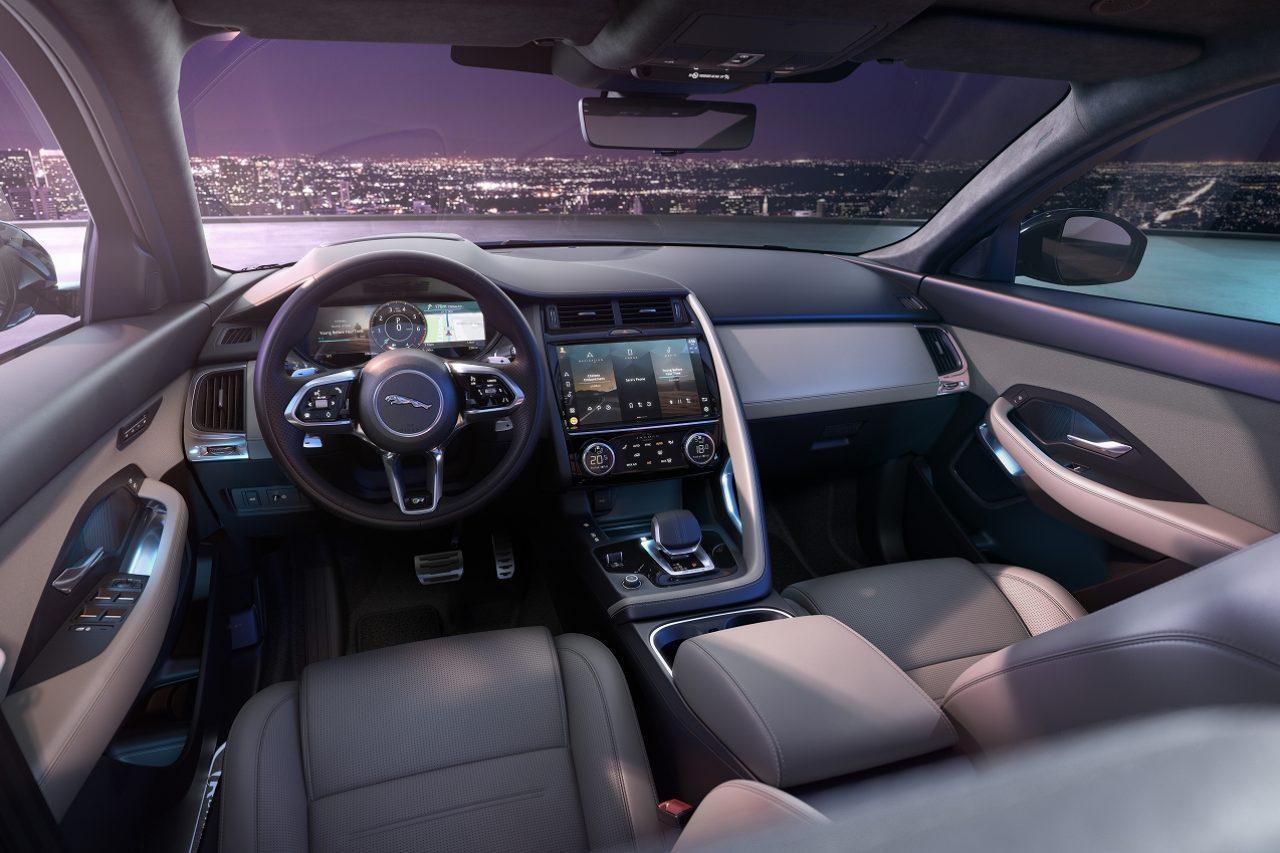 ジャガー初、最新プラットフォーム採用の『E-PACE』2021年モデルが登場