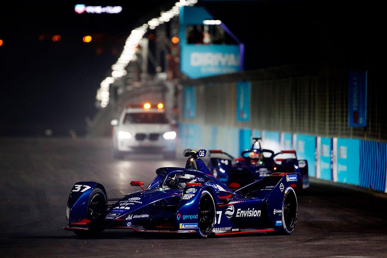 フォーミュラEシーズン7開幕! メルセデスのデ・フリースが初優勝を挙げ、世界選手権初戦を制す