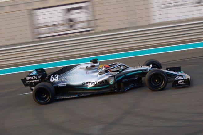 2019年ヤス・マリーナ・サーキットで実施された18インチF1タイヤテストで走行したジョージ・ラッセル(メルセデス)
