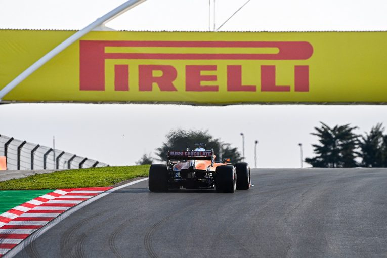 F1   F1とピレリの契約期間が2024年末までに変更。18インチタイヤへの移行延期に伴い1年延長に