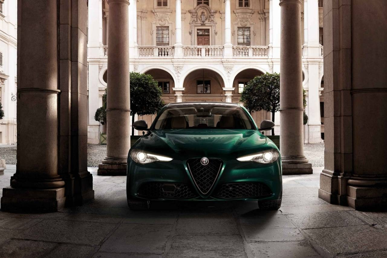 『アルファロメオ・ジュリア』に、歴史に紐づく特別なグリーン採用の限定車が登場