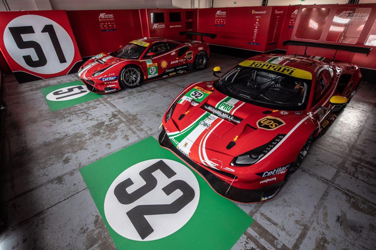 フェラーリ、AFコルセ51号車と52号車の2021年カラーリングを初披露/WEC