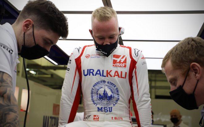 2021年F1プレシーズンテストへの準備を行うニキータ・マゼピン(ハースF1チーム)