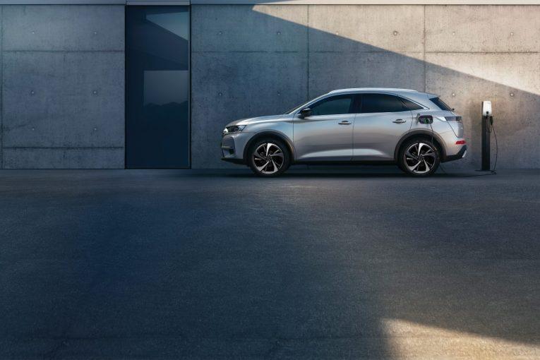 クルマ | DSオートモビル、旗艦SUV『DS7クロスバック』に電動4WDのトップモデルを追加設定