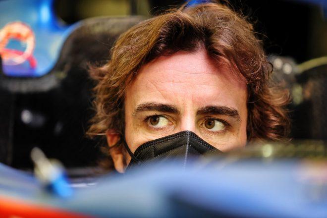 2021年F1プレシーズンテスト参加のためバーレーン入りし、走行準備を開始したフェルナンド・アロンソ