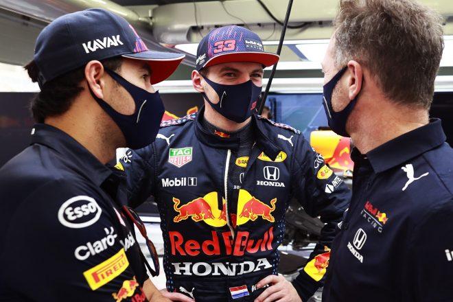 2021年F1プレシーズンテスト1日目 マックス・フェルスタッペン、セルジオ・ペレス、クリスチャン・ホーナー代表(レッドブル・ホンダ)