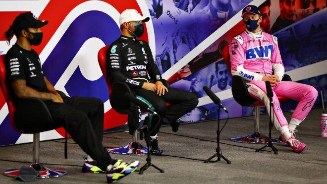 2020年F1 70周年記念GP ルイス・ハミルトンとバルテリ・ボッタス(メルセデス)とニコ・ヒュルケンベルグ(レーシングポイント)