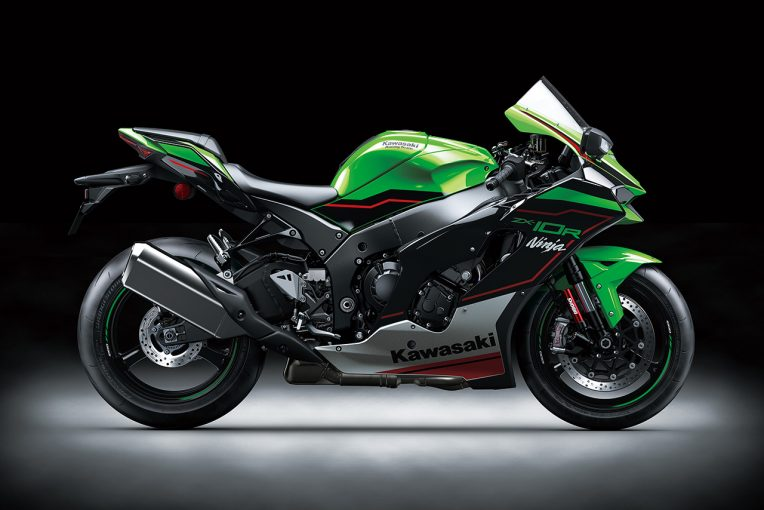 MotoGP   カワサキZX-10R/ZX-10RRの国内での発売予定日や価格が発表。サーキットから公道まで楽しさを両立