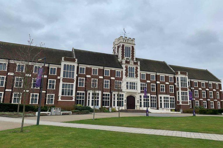 Blog | 【ブログ】授業や就職活動はオンライン。当たり前の大学生活に戻ることを願う/木村のF1英国留学日記