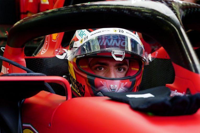 F1   サインツ「クリーンな金曜を過ごせたことで、マシンへの理解を深めることができた」フェラーリ【F1第1戦】