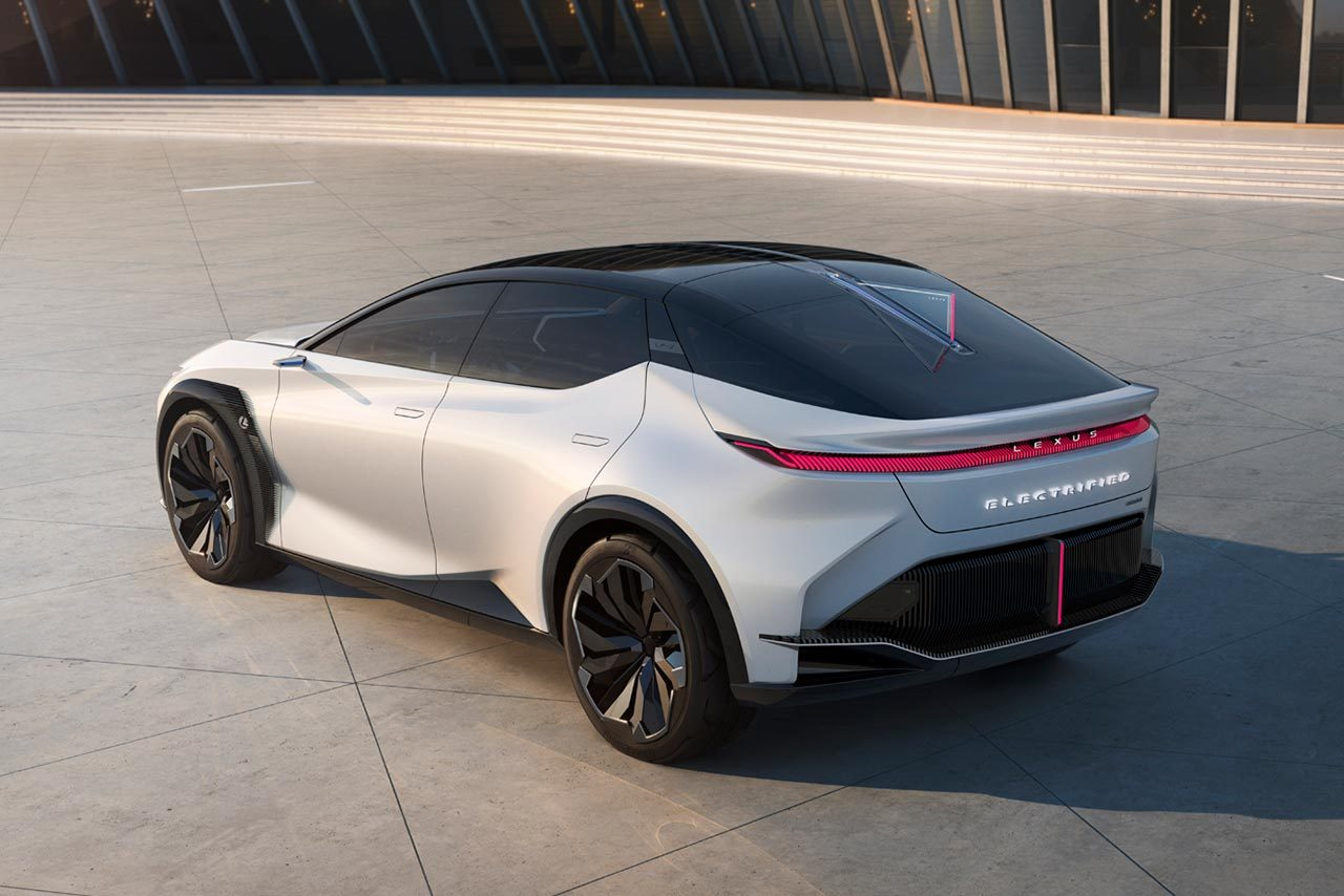レクサス、ブランド変革に向けた取り組みとEVコンセプトカー『LF-Z Electrified』を初公開