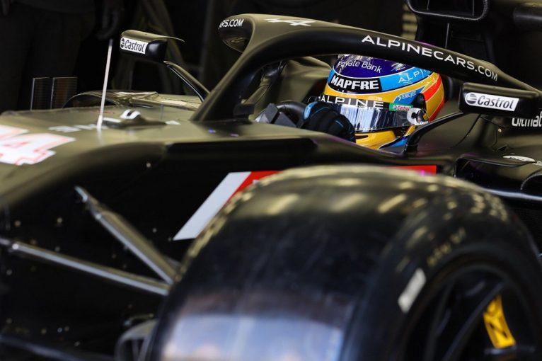 F1   18インチF1タイヤテスト:アロンソが144周を走行「新タイヤはいい感触。さらなる開発につながる有意義な一日」