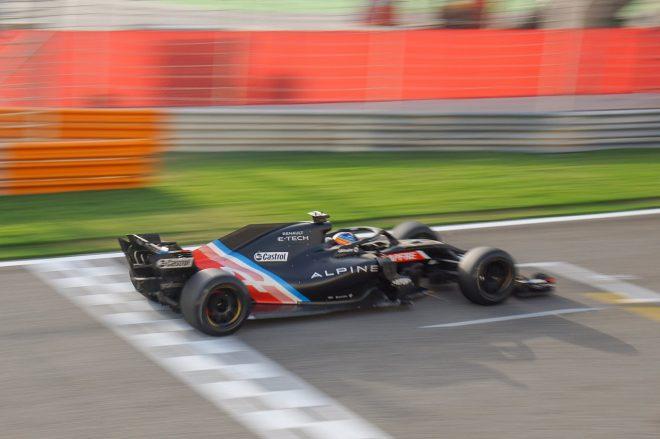 18インチF1タイヤテスト(バーレーン) フェルナンド・アロンソ(アルピーヌ)