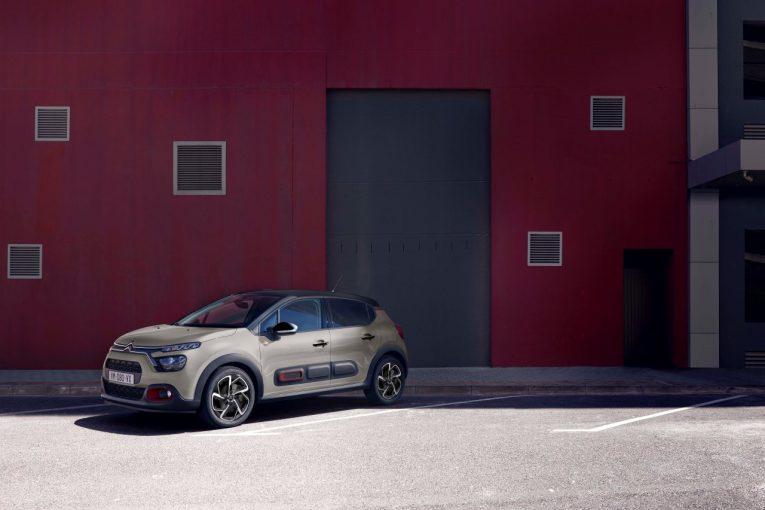 クルマ | 『シトロエンC3』にマットディープレッドのアクセントを採用した特別仕様車