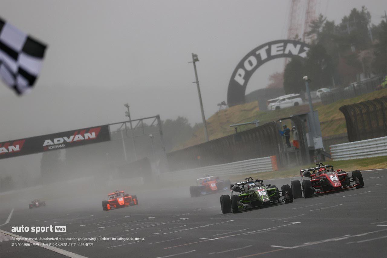 雨中のスーパーフォーミュラ・ライツ第3戦は三宅淳詞が逆転V! ルーニースポーツがダブル優勝
