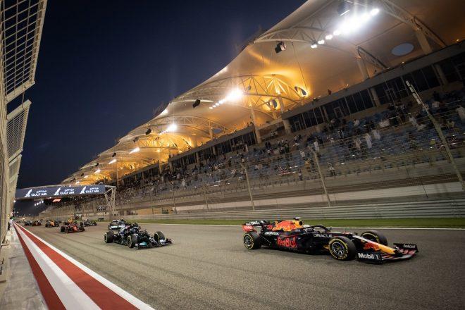 2021年F1第1戦バーレーンGP 決勝スタートでのマックス・フェルスタッペン(レッドブル・ホンダ)