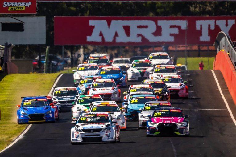 海外レース他 | TCRオーストラリア第3戦バサーストはアウディのモスタートが席巻。破竹の週末3連勝