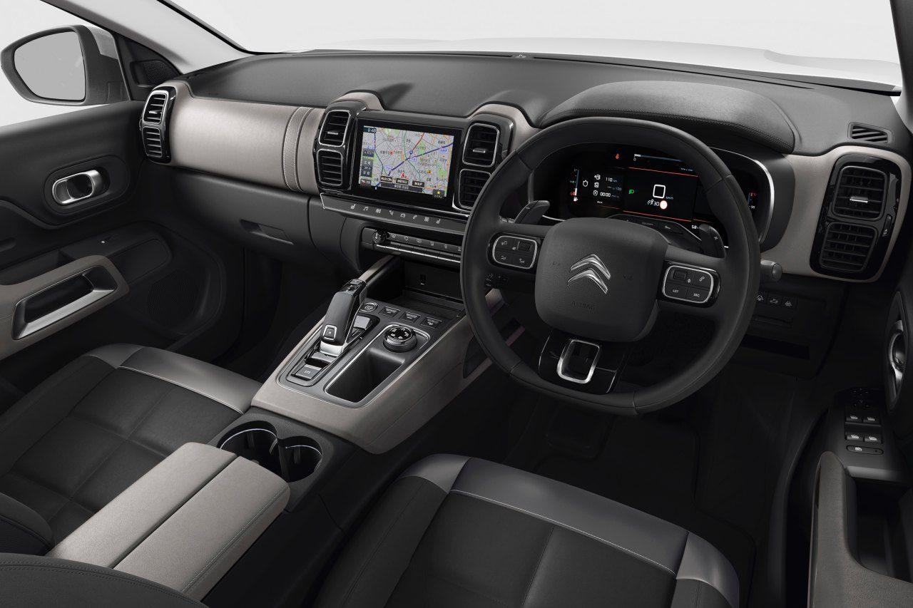 シトロエン、人気の『C5エアクロスSUV』を仕様変更。全車LEDヘッドライトを標準化