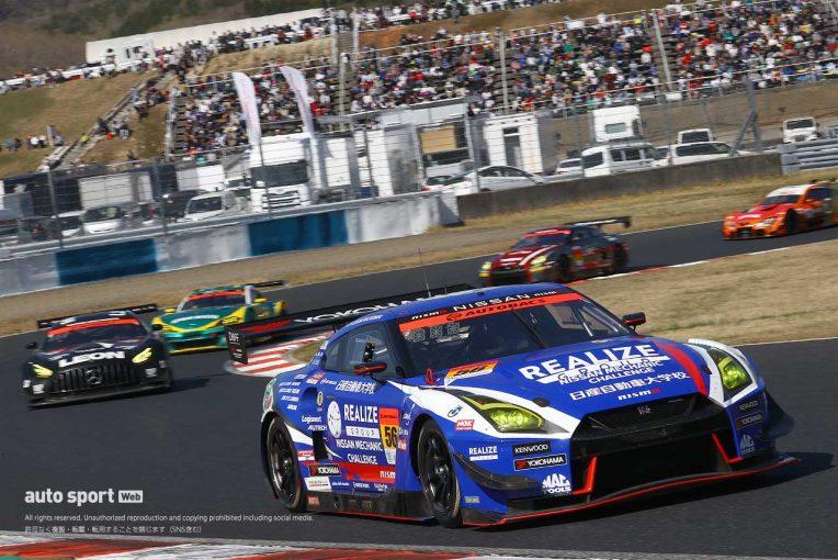 スーパーGT   昨年王者リアライズ  GT-R、SC導入で急転の首位争いを制す【第1戦岡山GT300決勝】