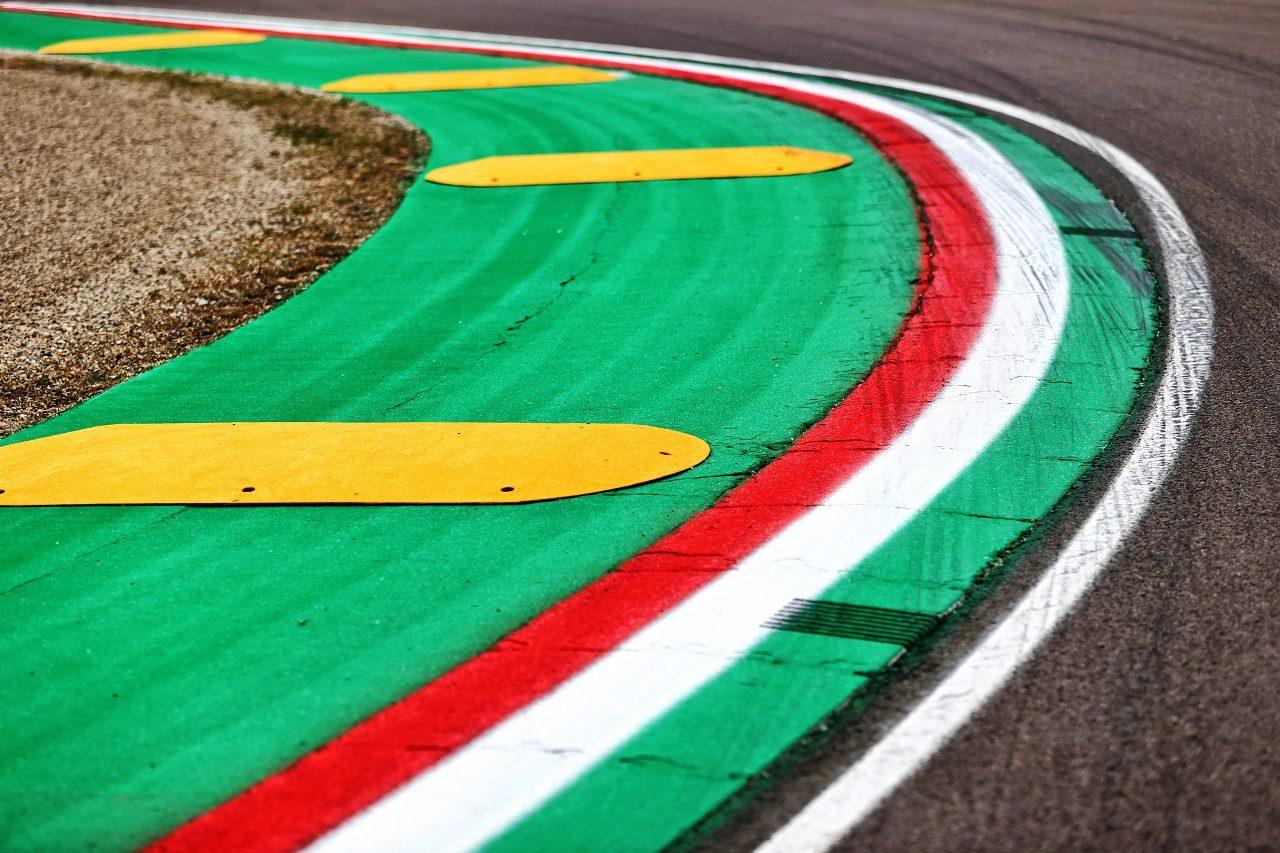 2021年F1第2戦エミリア・ロマーニャGP イモラ・サーキット縁石