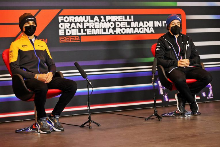 F1   F1第2戦木曜会見:アロンソ「観客のいないグランプリはテストみたいで寂しいよ」無観客レースでの心境を吐露