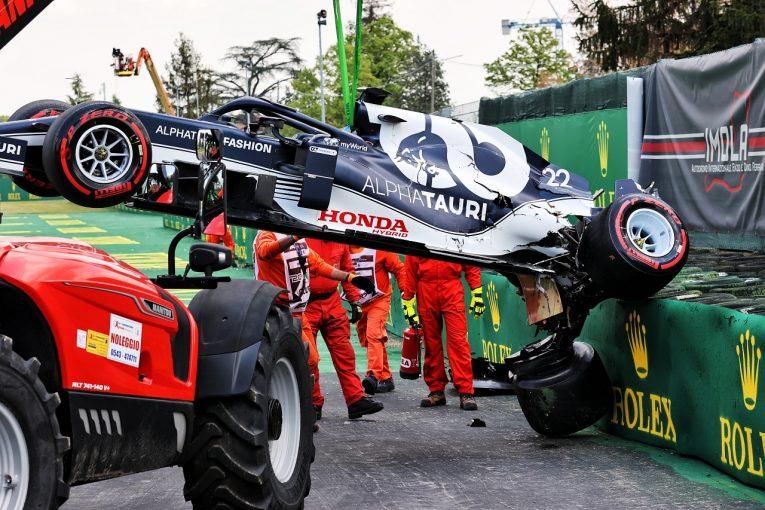 F1   「角田のクラッシュは残念だが、新人はミスをするもの」とアルファタウリTD。マシンは決勝までに修理可能/F1第2戦予選