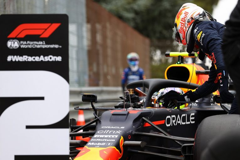 F1 | 約2年ぶりに僚友に敗れたフェルスタッペン「僕はロボットじゃない。たまにはミスをする」レッドブル・ホンダ/F1第2戦予選
