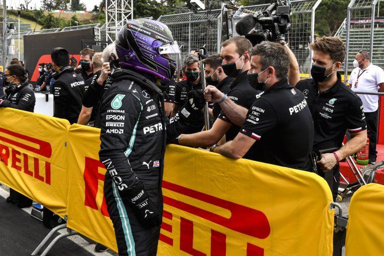 F1 | ポールのハミルトン「レッドブルとは2対1の厳しい戦いになる」メルセデス/F1第2戦